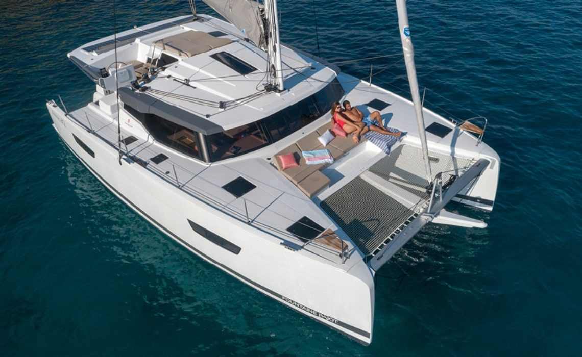 astrea-42-fountaine-pajot-sailing-catamarans-img-1