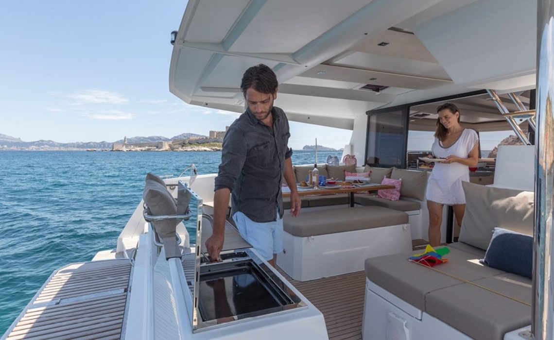astrea-42-fountaine-pajot-sailing-catamarans-img-12
