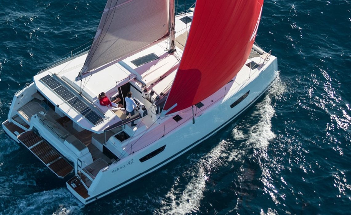 astrea-42-fountaine-pajot-sailing-catamarans-img-5